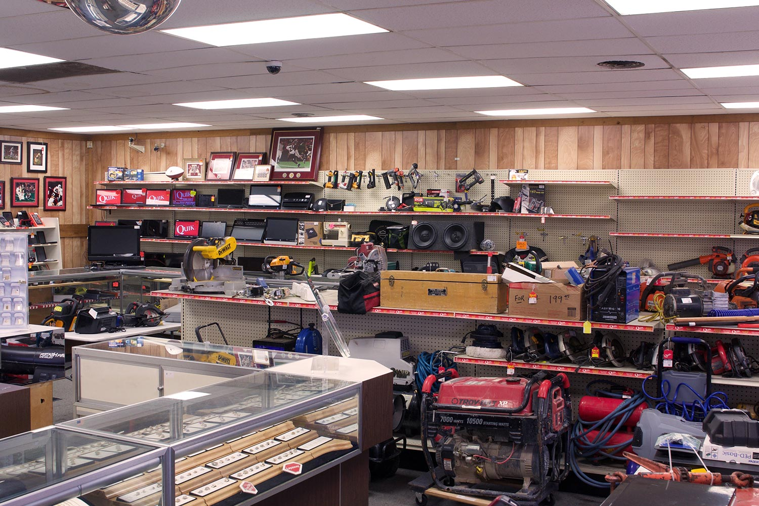 Quik pawn shop in midfield mobile alabama buy sell for Jewelry pawn shops birmingham al